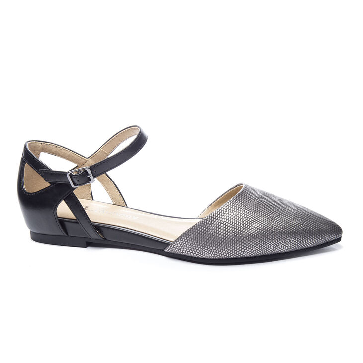 Chinese Laundry Helena Flats in Pewter/black