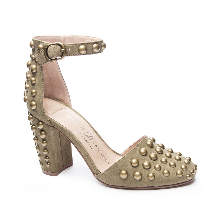 Chinese Laundry Vegas Pumps in Olive