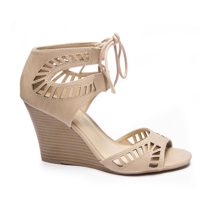 Chinese Laundry Bright Sun Sandals in Nude Size 6.0