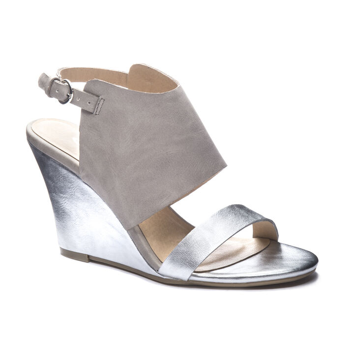 Chinese Laundry Baja Sandals in Silver Multi Size 9.5