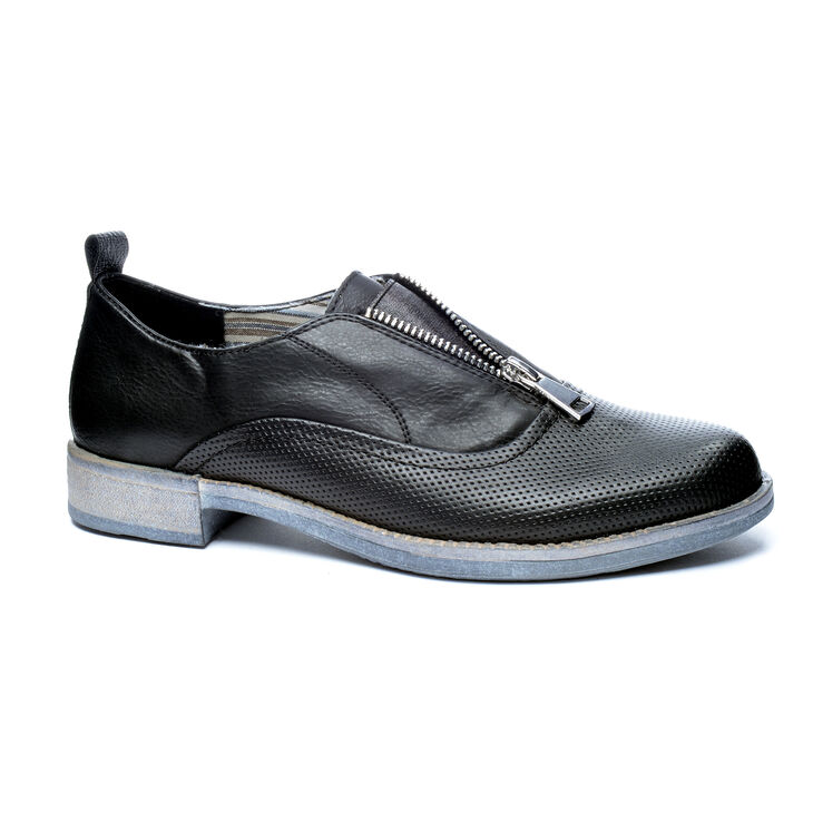 Chinese Laundry Tailored Sneakers in Black Size 6.5