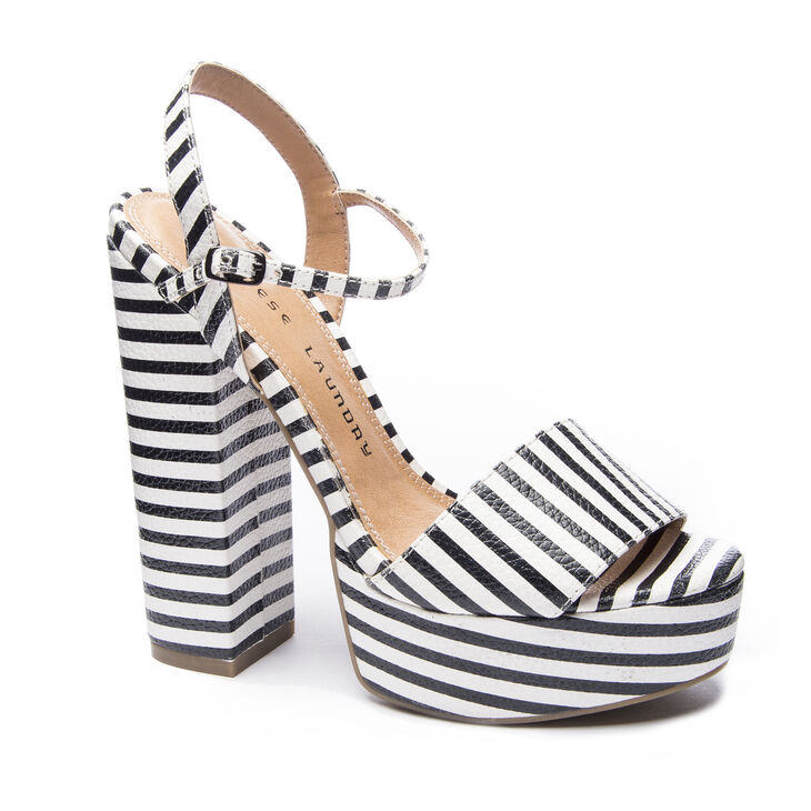 Chinese Laundry Abie Sandals in Blk/wht Size 6.0