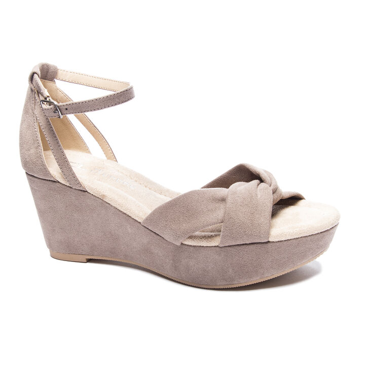 Chinese Laundry Devin in Dusty Taupe