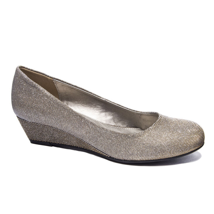 Chinese Laundry Marcie Pumps in Champagne