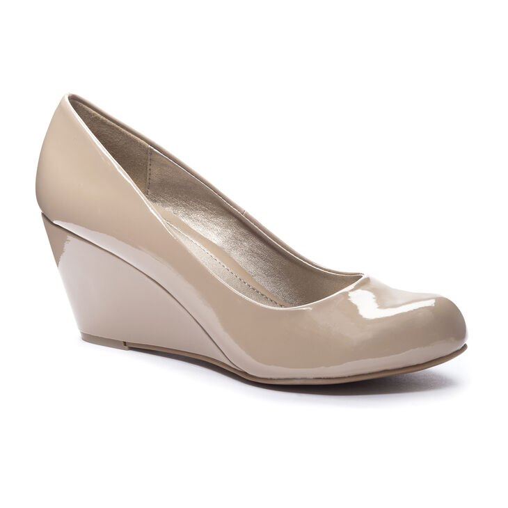 Chinese Laundry Nima Pumps in Nude