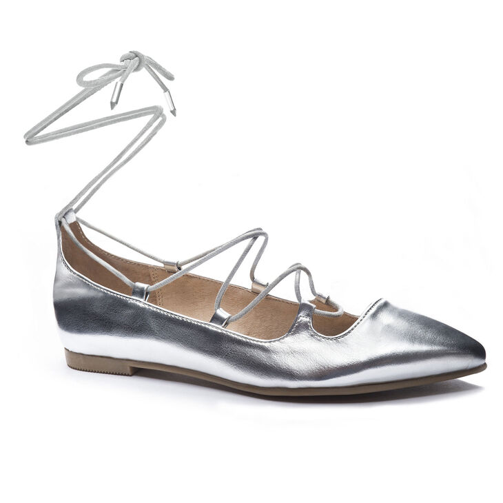 Chinese Laundry Endless Summer Flats in Silver Size 5.5