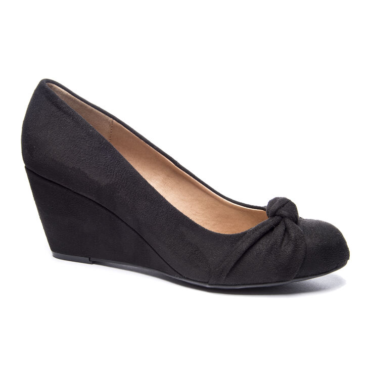 Chinese Laundry Nerin Pumps in Black