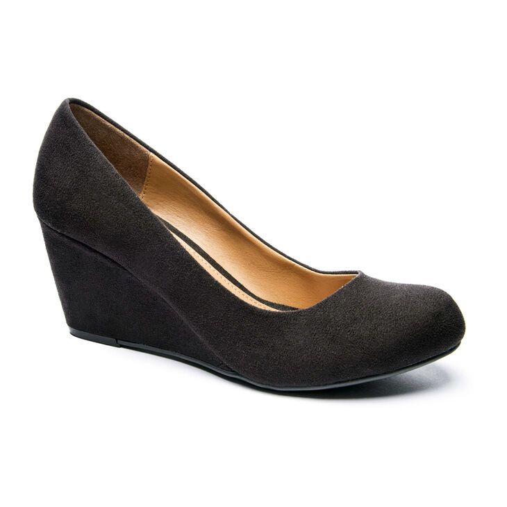 Chinese Laundry Nima Pumps in Black