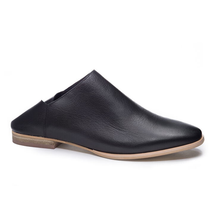 Chinese Laundry Owen Mule Flats in Black