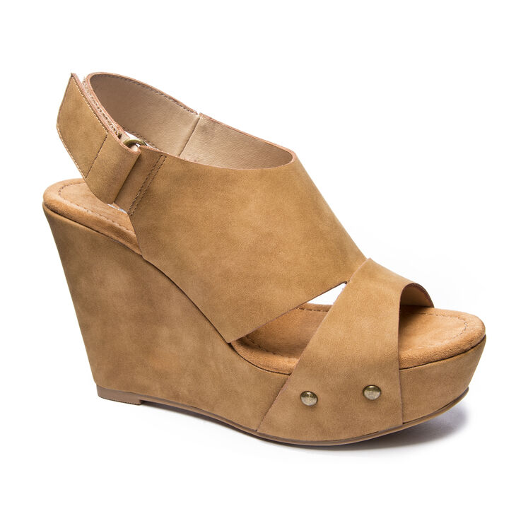 Chinese Laundry Cutey Wedges in Caramel