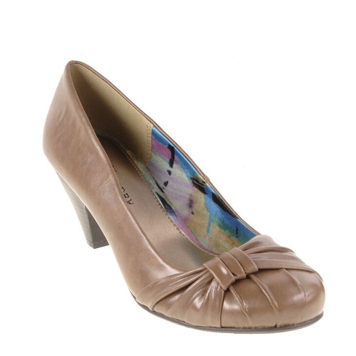 Chinese Laundry Sonnet Pumps in Taupe